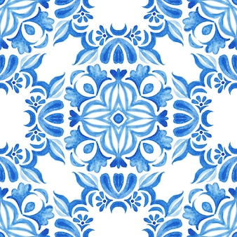 Abstract blue and white hand drawn textured tile seamless ornamental watercolor pattern. azulejo tile design style