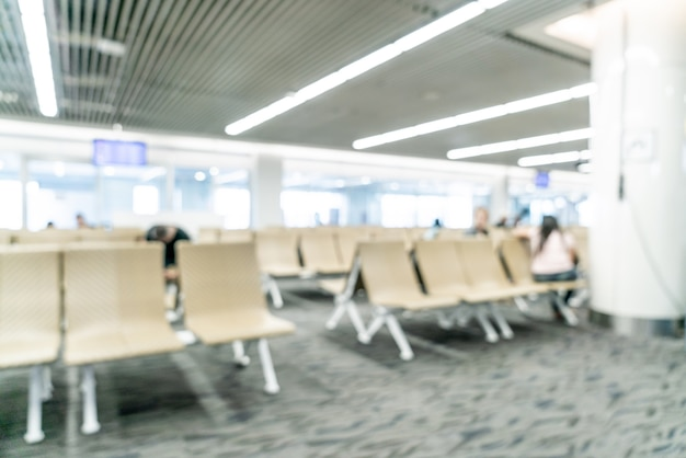 背景の空港での抽象的なぼかし