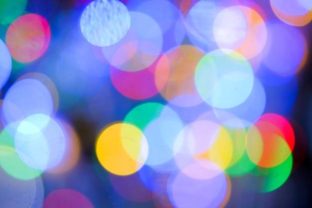 밤 장면에서 추상 흐리게 Led 조명 전구의 여러 가지 빛깔 프리미엄 사진