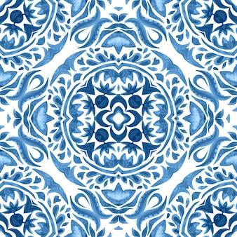 抽象的なダマスクの花のシームレスな装飾用水彩絵の具のパターン