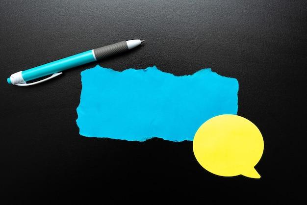 추상 새로운 삶의 의미 발견, 자기 개발 개념 수용, 다채로운 벽 디자인,