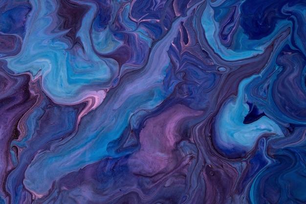 抽象的な流体アートの背景ネイビーブルーと紫の色。液体大理石。紫のグラデーションとスプラッシュとキャンバスにアクリル画