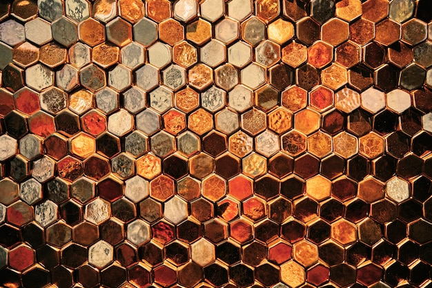 Абстрактный золотой фон, золотые клетки и пятиугольники