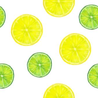 ライムスライスの柑橘系の果物と抽象的な緑の表面。閉じる。スタジオ撮影