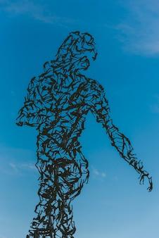 Абстрактная человеческая фигура