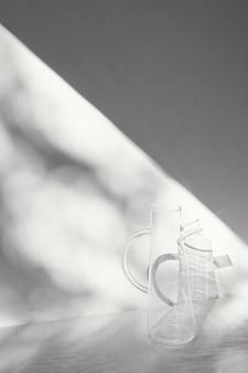 Oggetti ed ombre di concetto minimo astratti