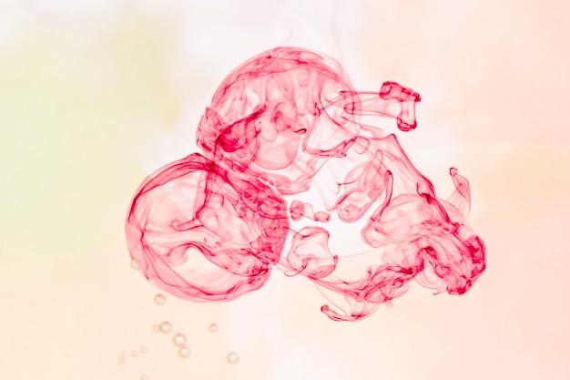 Абстрактный монохромный дым на розовом