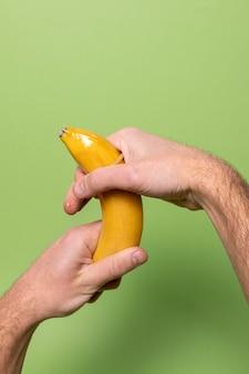 バナナによる抽象的な性的健康表現