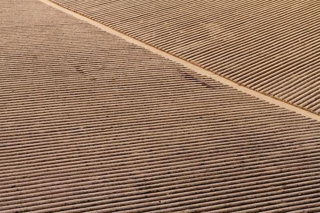 抽象的な階段レイヤー背景ロングショット