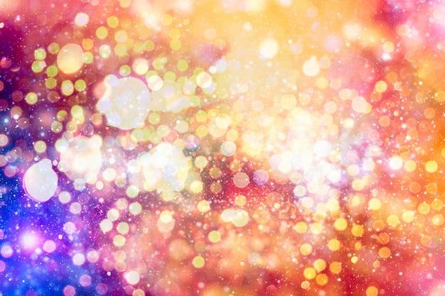 Абстрактная мерцающая предпосылка огней с расфокусированными белыми огнями боке. день святого валентина, партия, новогодний фон.