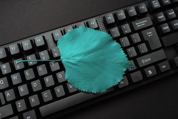 Аннотация набирает новый бизнес-слоган, написание сообщений рыночных стратегий, продвигает технологии в интернете