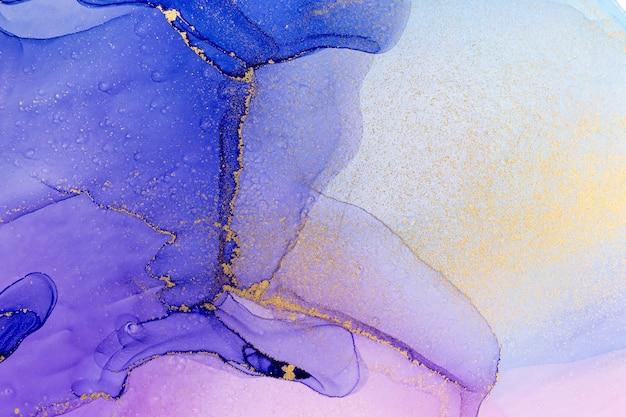 Абстрактная акварель синий и фиолетовый градиентный фон с золотым блеском
