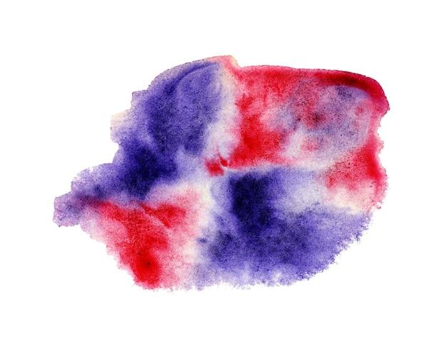 紫赤色の抽象的な水彩画の染み。紙の上にランダムに広がるペンキのしみ。水パターンで希釈された塗料。白い背景で隔離。手で描いた。