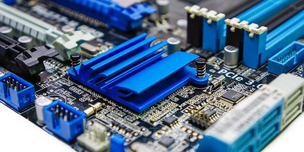 マザーボード電子コンピュータの背景の要約クローズアップ