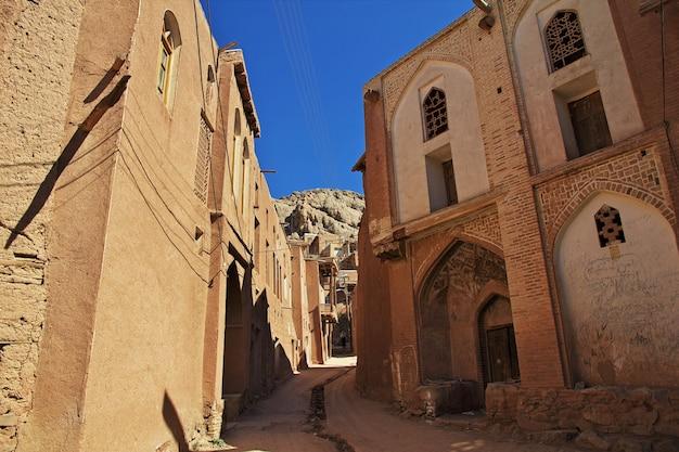 イランの古いabyaneh村