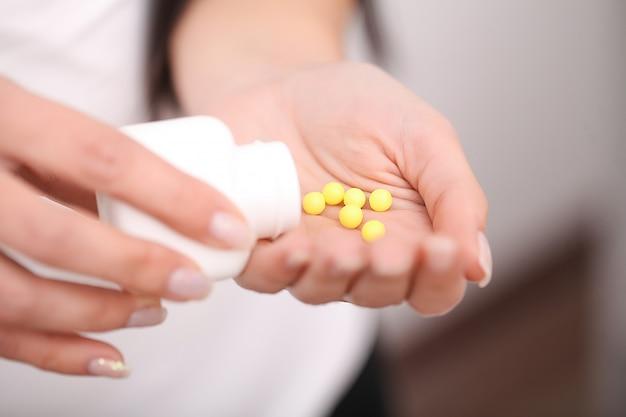 薬物の受け入れ、自宅での自己治療