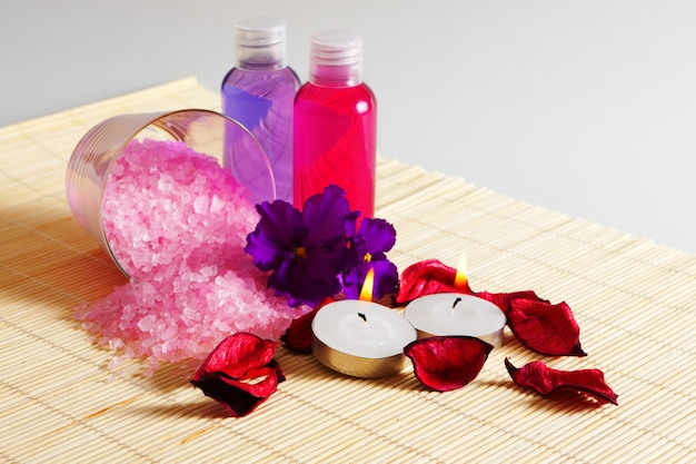 Accessories for bathing and bodycare, a set of treatments for body