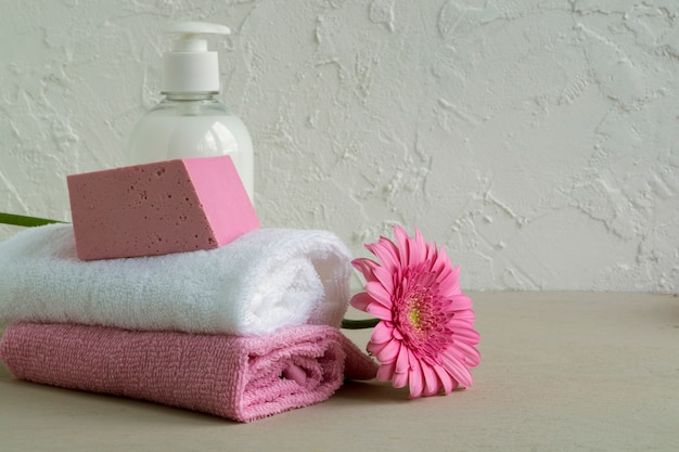 Accessories for body and hair care.