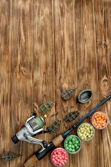 コイ釣りと木の板の釣り餌用アクセサリー