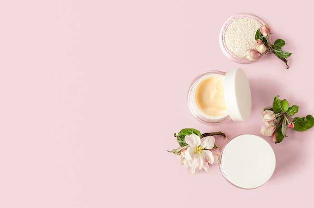 Аксессуары, средство для весеннего ухода за кожей. натуральная травяная косметика с экстрактом яблока, ага-кислота