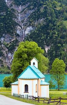Achensee (achen 호수) 여름 풍경과 교회 (오스트리아)