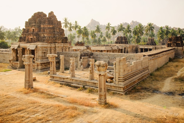 ハンピのアチュタラヤ寺院
