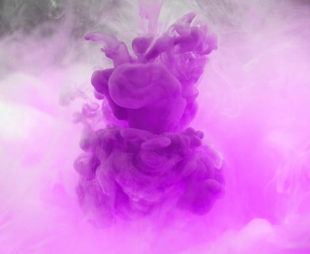 Colore acrilico che si dissolve in acqua