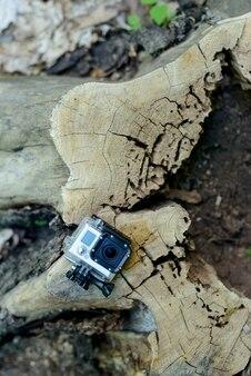 木製トランクのアクションカメラ