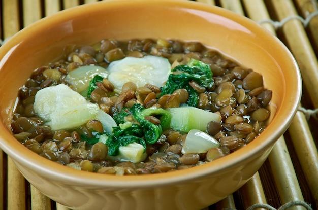 Adas bilhamod-レバノンレンズ豆レモンスープ