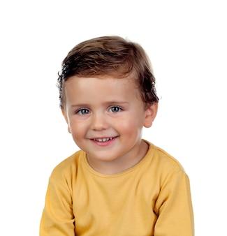 愛らしい小さな子供二歳黄色のtシャツ