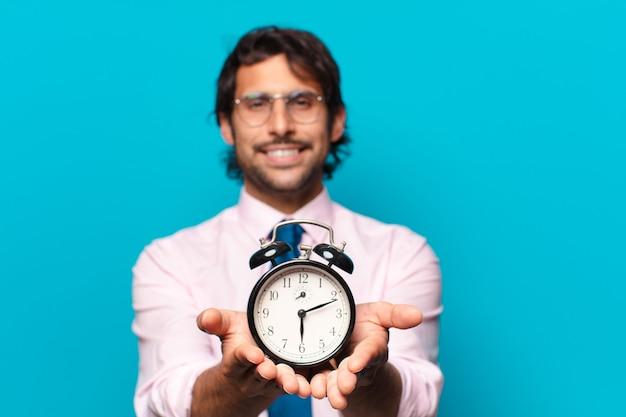 알람 시계와 함께 성인 인도 사업가