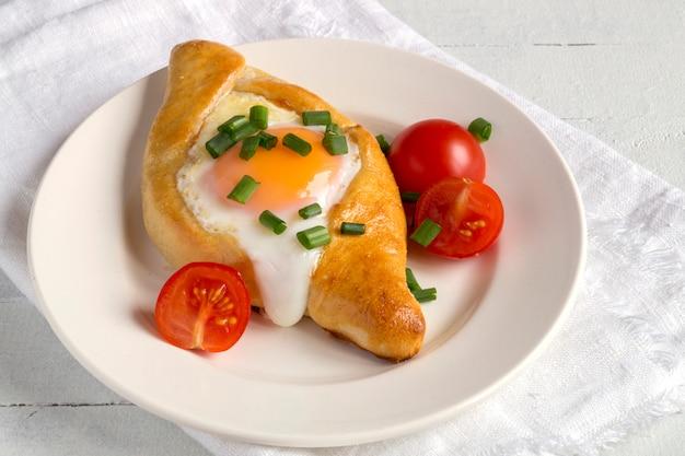 Adzharian khachapuri with egg