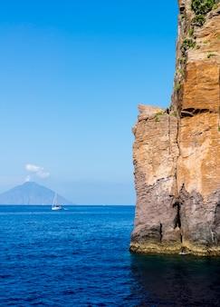 Эолийский остров