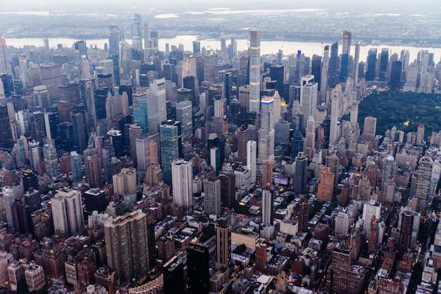 ニューヨーク市の空中ドローンビュー
