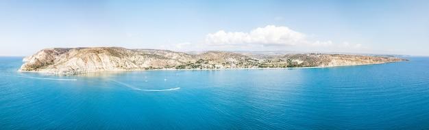 アメージングコリオンビーチの空中パノラマビュー。リマソール。キプロス共和国。