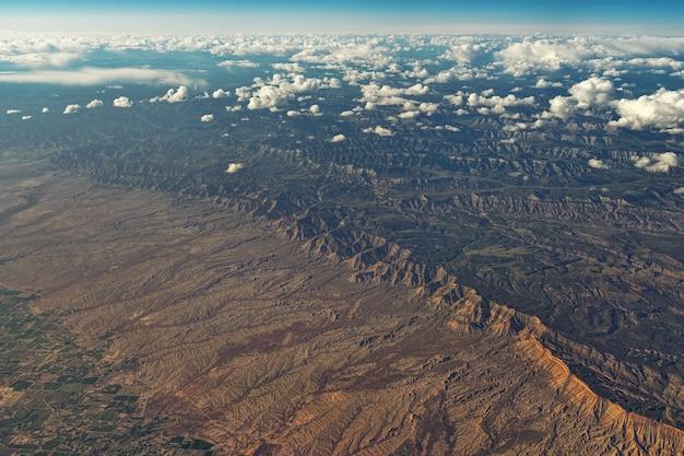 필드의 항공 사진