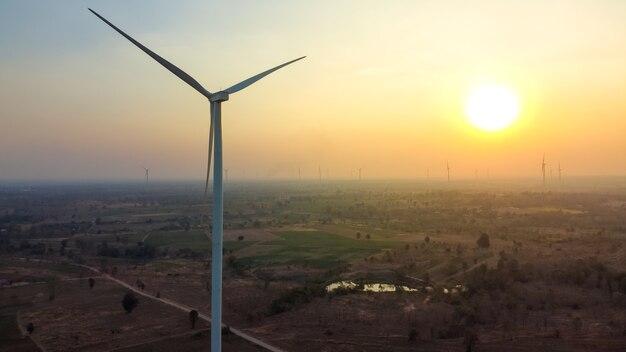 Аэрофотосъемка, чистая энергия полей ветряных турбин, съемка с дронов