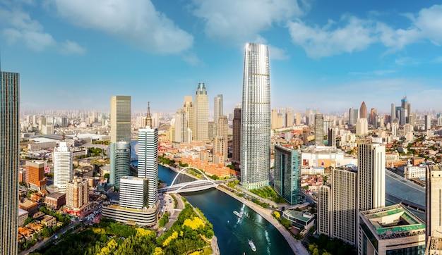Аэрофотоснимок горизонта архитектурного пейзажа финансового центра тяньцзиня