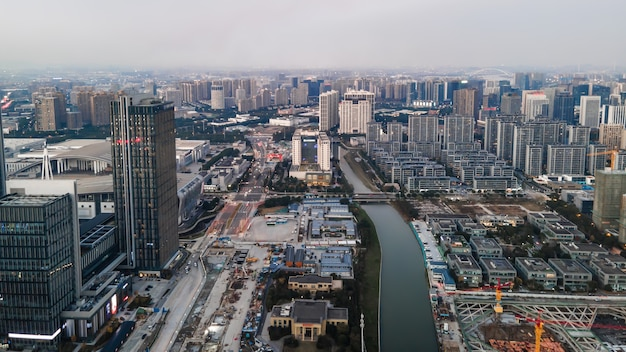 寧波金融街の建築景観スカイラインの航空写真
