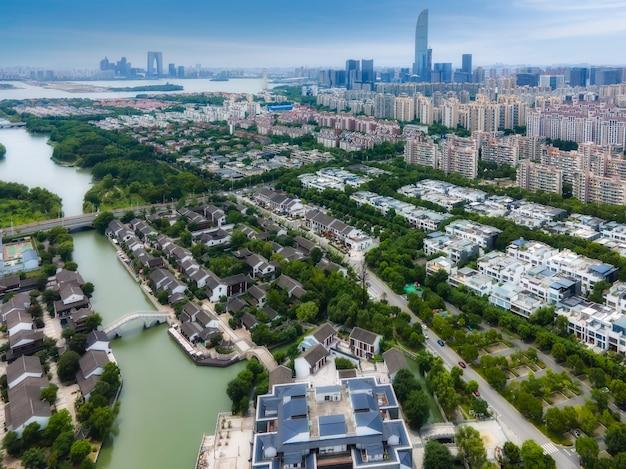 Аэрофотосъемка китайского садового пейзажа на старой улице ситанг канала сучжоу