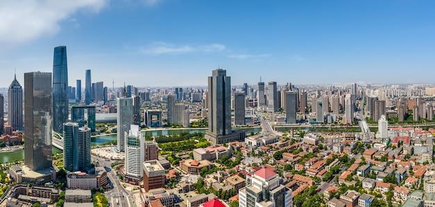 天津市の建築風景のスカイラインの航空写真