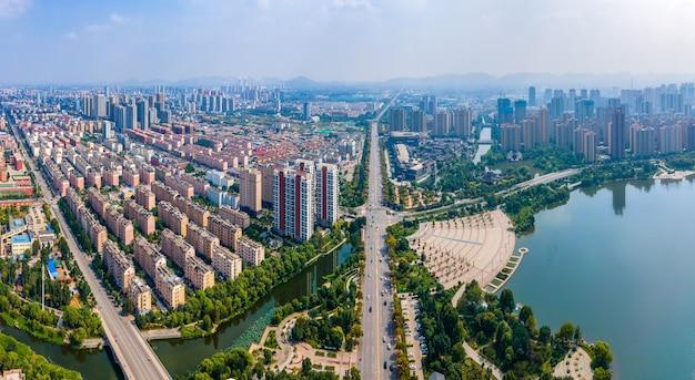 中国の棗荘市の風景の航空写真