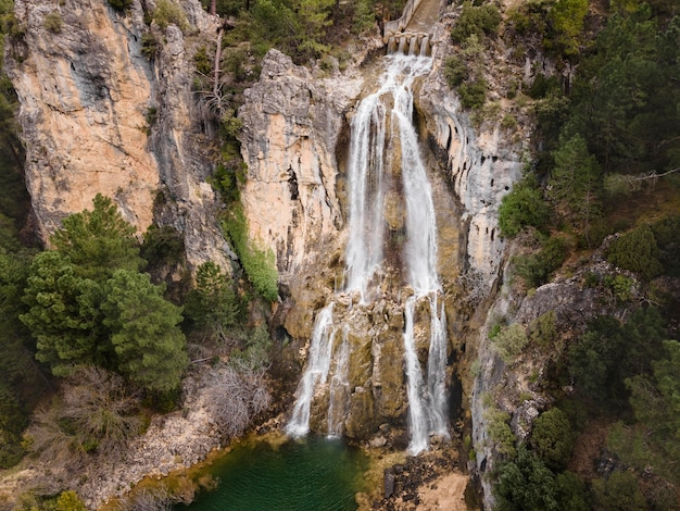 Vista aerea del paesaggio della cascata