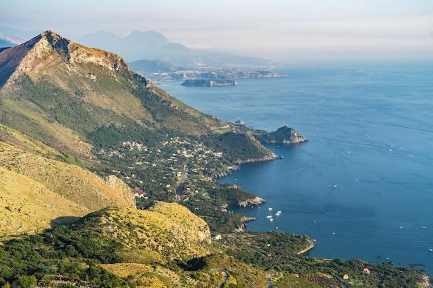Ripresa aerea della costa calabrese da maratea, basilicata, italia