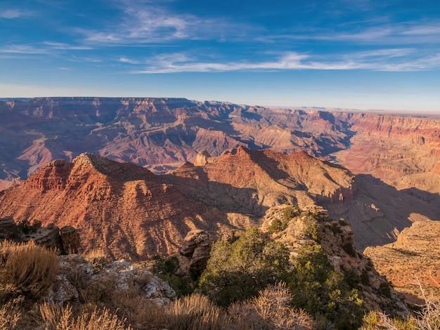 Ripresa aerea del parco nazionale del grand canyon negli stati uniti