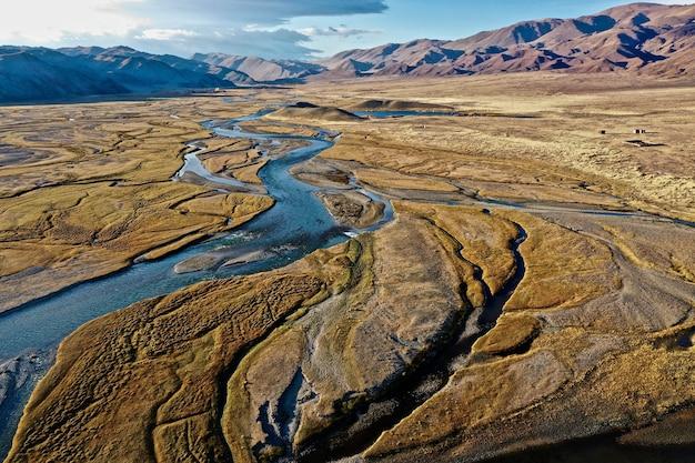 Аэрофотоснимок реки орхон в монголии