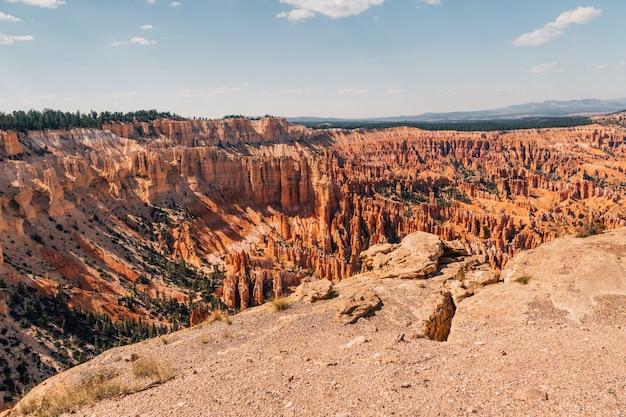 アメリカ合衆国、ユタ州の美しいブライスキャニオン国立公園の空中ショット