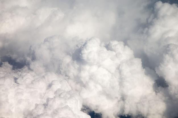 공중 하늘과 구름