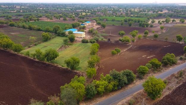 Воздушный вид сверху поля сельского хозяйства
