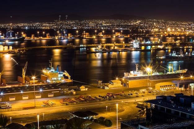 Vista aerea del quartiere degli affari di notte
